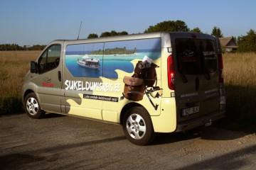 Digitrükk - Sukeldumisklubi Barrakuuda bussi kiletamine trükitud kleebitega