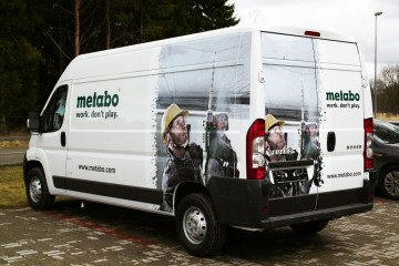 Digitrükk - Metabo demobussi katmine trükitud kleebistega 2