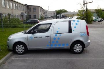 Kleebisreklaamid - Elektrilevi sõidukite kiletamine firmagraafikasse 2