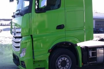 Sõidukite ülekiletamine - Kabiini ülekleepimine roheliseks 1